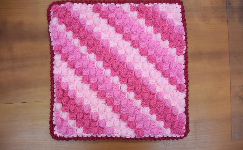 ボニーで編む 手編みのざぶとん2