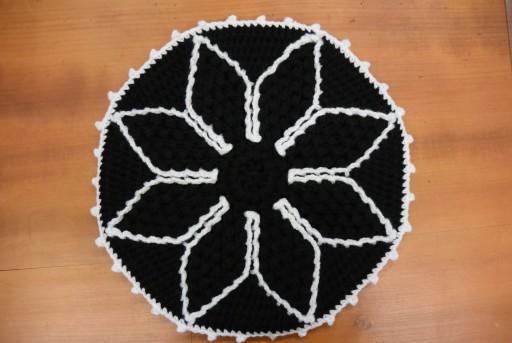黒と白の円座